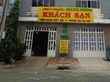 mat-tien-khach-san